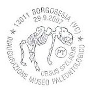 Fossil of cave bear on postmark ogf Italy 2007